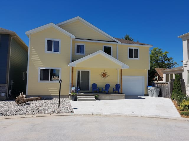 NEW 5 BEDROOM HOUSE *** DOWNTOWN GRAND BEND***
