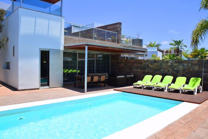Luxury villa in Bahia del Duque - Costa Adeje - Villa