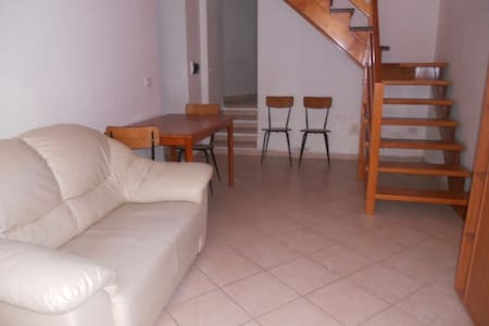 Graziosa casa indipendente ristrutturata - Villacidro - 独立屋