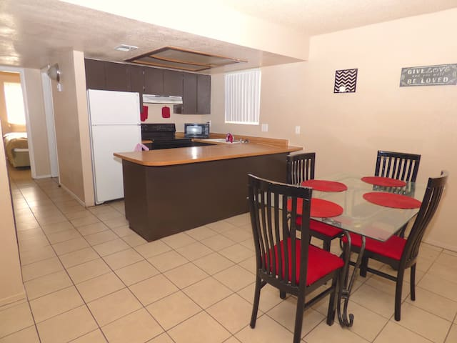 Large Apt! Specials available! 6249 - Las Vegas - Appartement