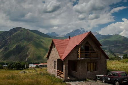 Kazbegi Mountain House - Stepantsminda