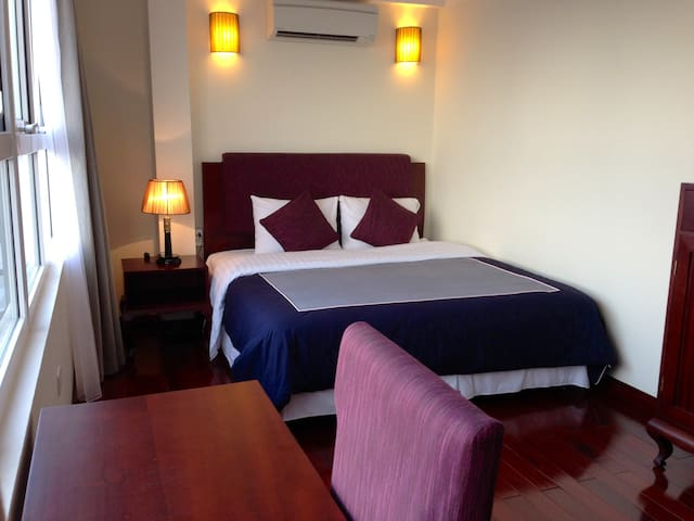 Serviced Apartment with Lake View - Hanoi - Apartment