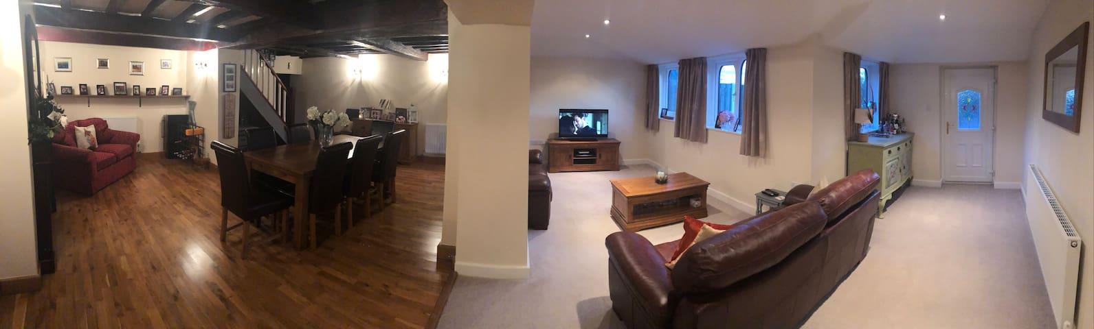 Open plan dinning room & sitting room