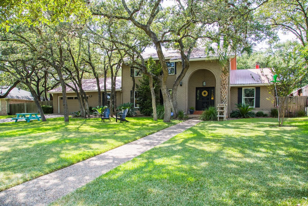 5 Bedroom Home Near Downtown Houses For Rent In Austin Texas United States