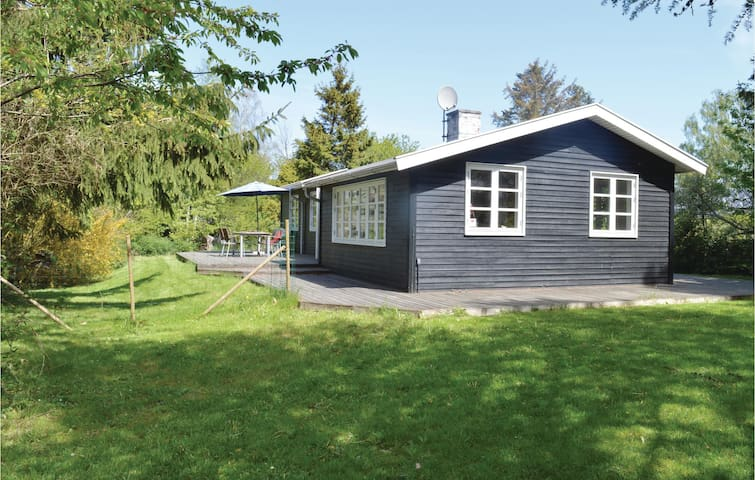 Holiday cottage with 3 bedrooms on 80m² in Græsted