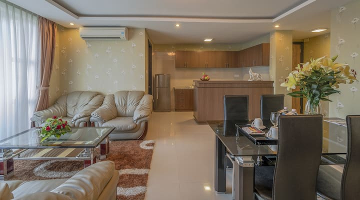 EDEN PLAZA 2BR APARMENT/BALCONY OFF 43% FOR 1MONTH