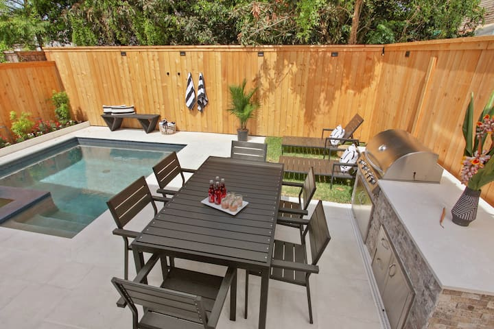 Garden District Escape | Pool & Hot Tub