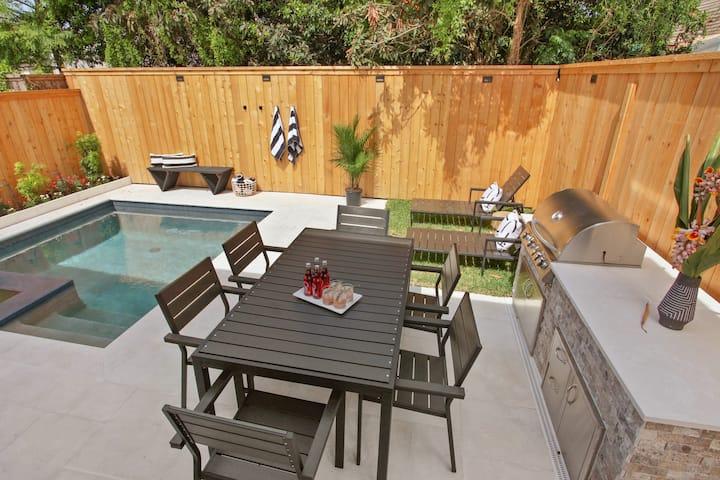 Garden District Escape | Pool & Hot Tub
