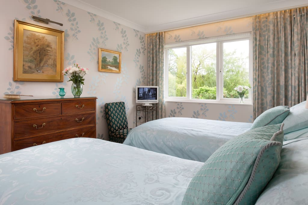 Light and airy bedrooms-all ensuite-this has twin beds-ensuite shower