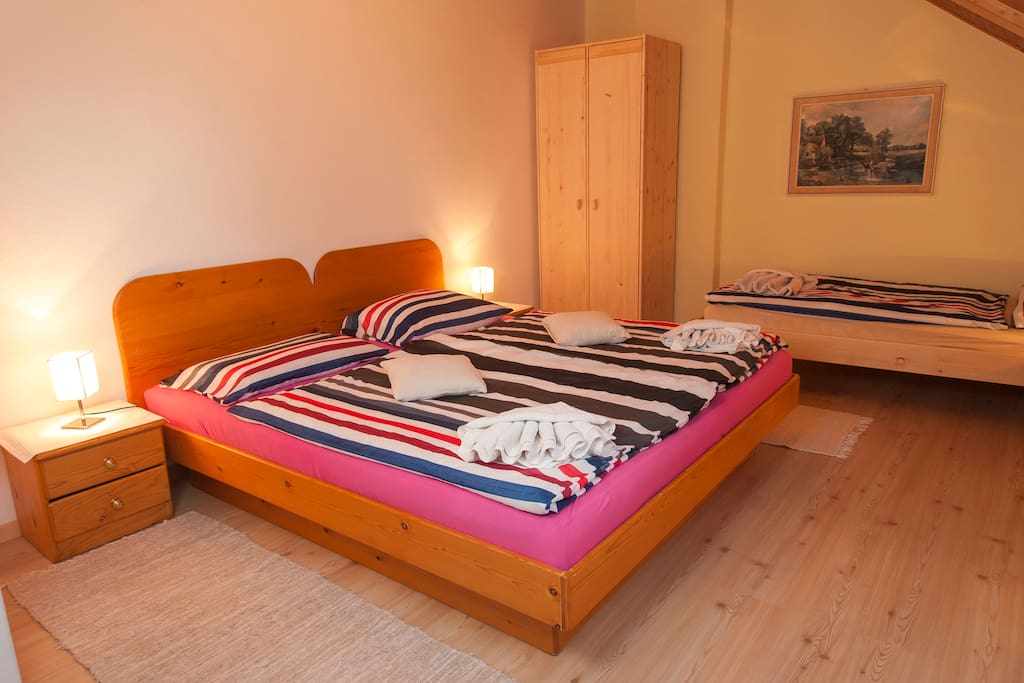 bedroom for 3 persons