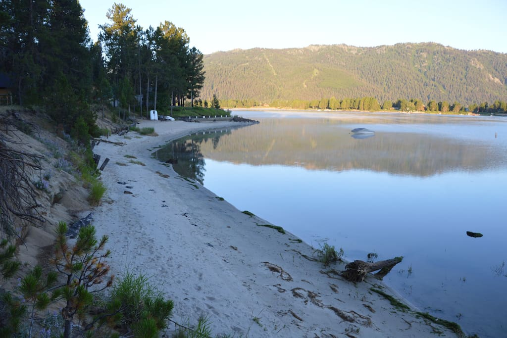 Donnelly beach house best beach on lake cascade for Cascade lake idaho fishing