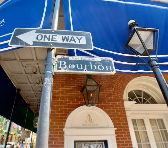 40% discounted French Quarters condo