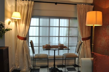 Chien Marin apartment in the heart of Brussels - Bruxelles - 独立屋