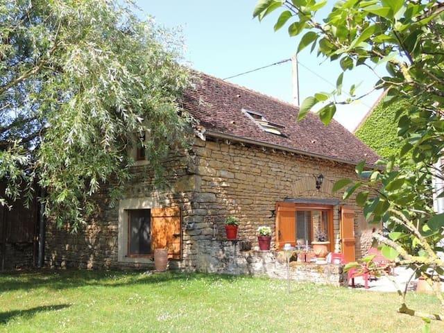 Maison indépendante rénovée - Saint-Vincent-des-Prés - Casa