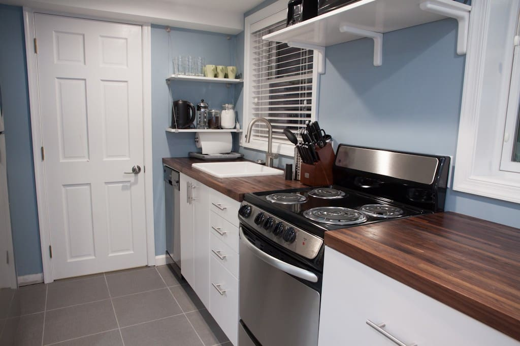 Well-lit full-featured kitchen