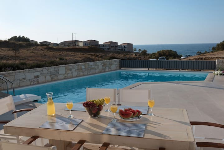 Lygaries  villa Levanda, by the beach, no car need - Panormo - Villa