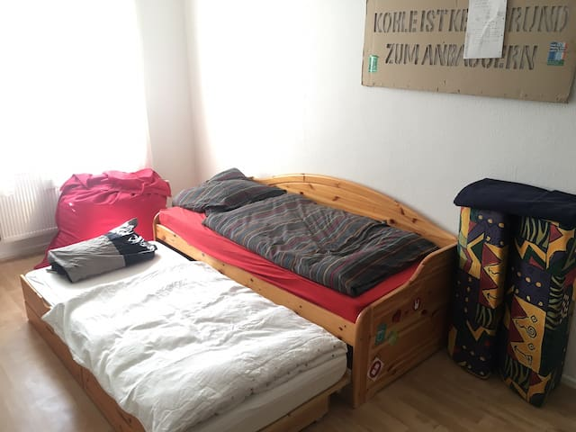 helles Studentenzimmer in ruhiger Lage