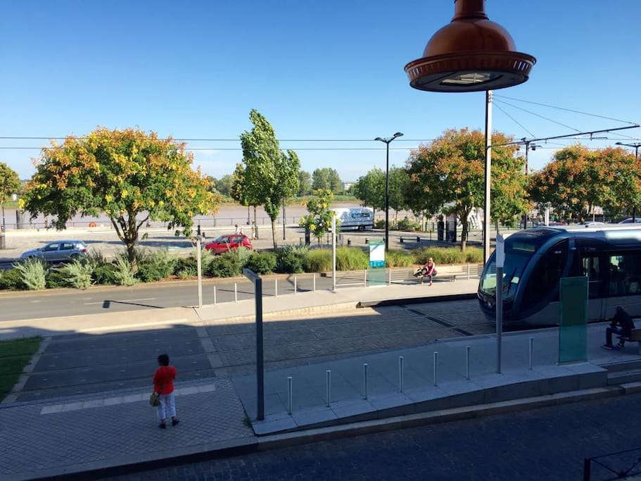 T3 avec vue sur la garonne appartements louer for Location appartement bordeaux a la semaine