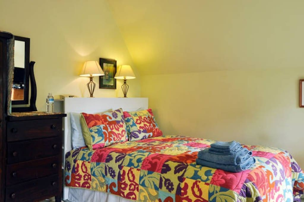 Double bed with high quality linens, duvet and quilt.