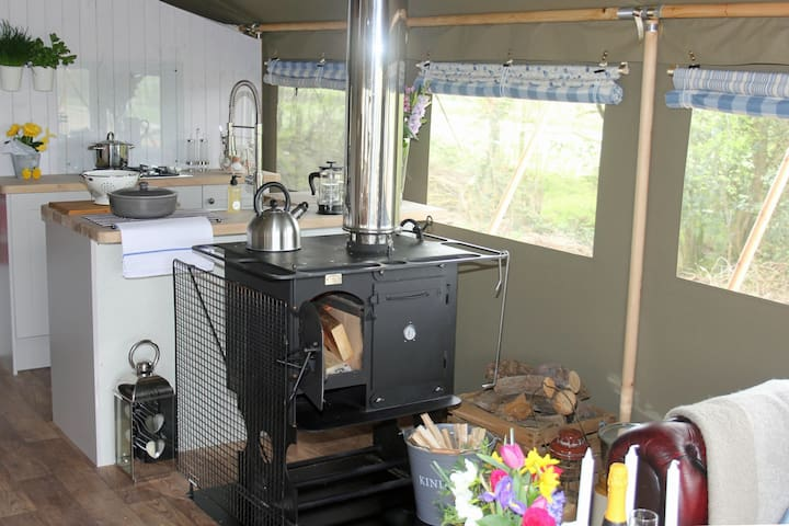 Lower Keats Glamping Safari Lodge 1 Sleeps 6
