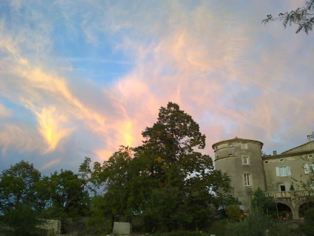 La vie de Château en Ardèche !