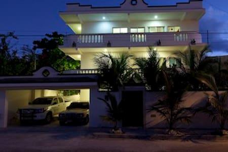 Puerto Morelos House Apartments