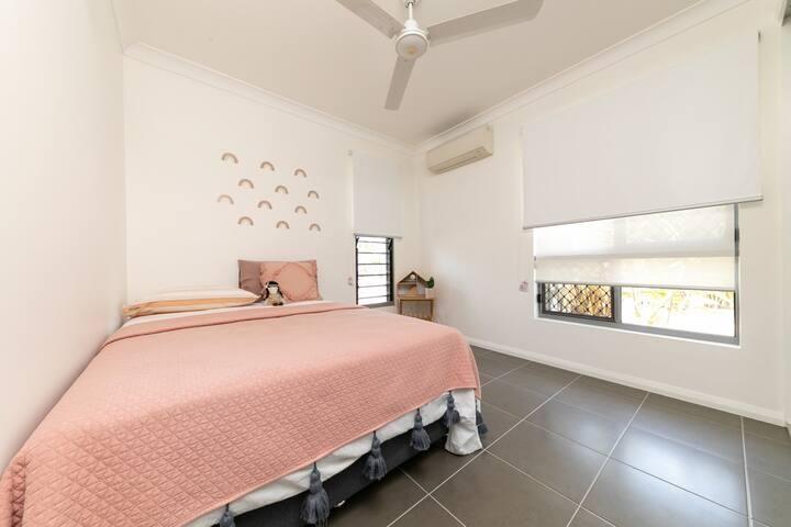 Bed 3 Queen bed