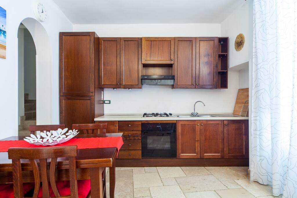 Soggiorno con cucina / Livingroom with kitchen