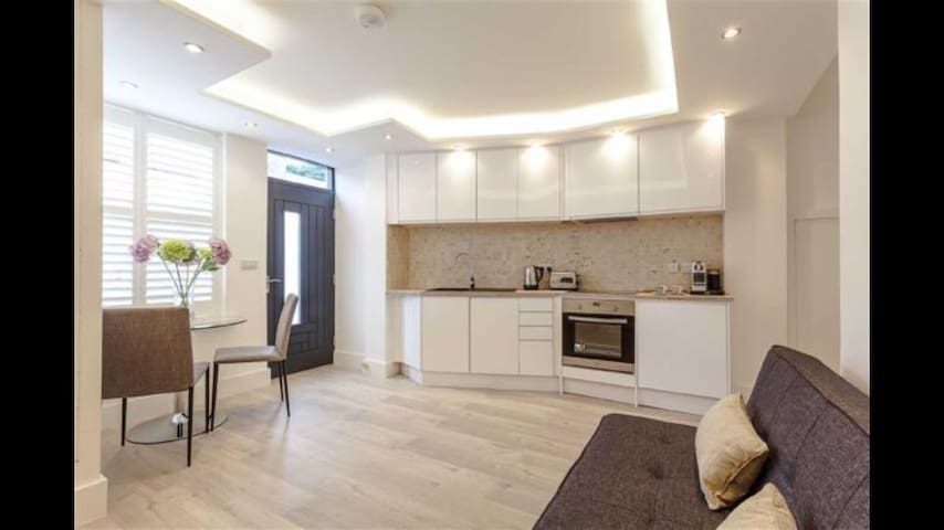 Luxury apartment -Jacuzzi bath/Fibre WIFI - Harrogate - Apartamento