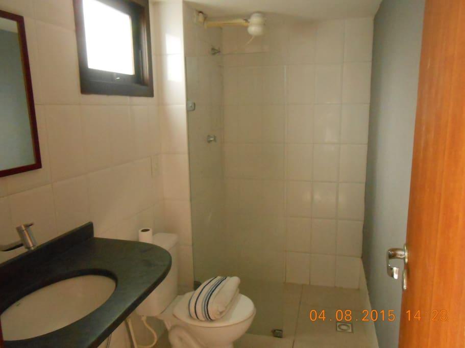 Banheiro 1 andar+ agua quente
