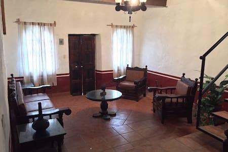 Acogedora casa en Tapalpa - Tapalpa - Huis