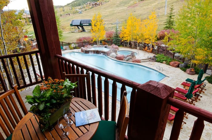 Aspen CO | Ritz Carlton | 3 Bedroom Condo Ski-In, Ski-Out