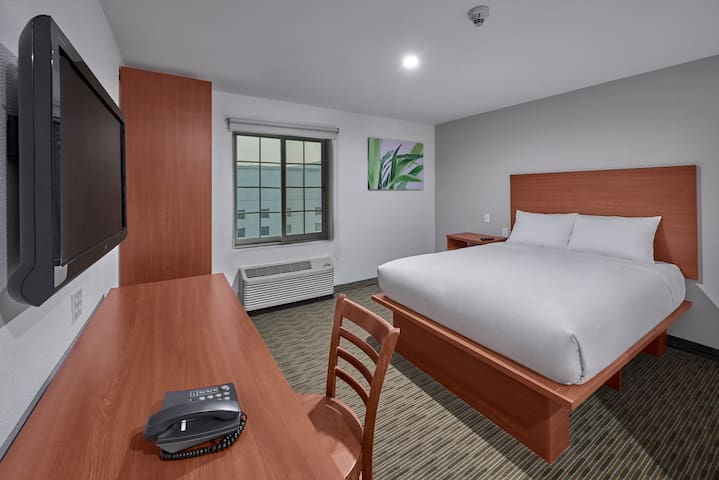 Extended Suites Coatzacoalcos Forum, 1 Queen Bed