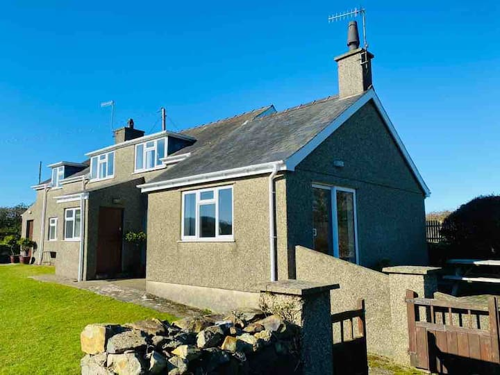 Maesoglan Cottage - peaceful rural setting