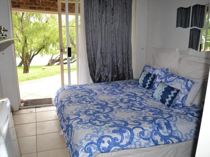 Impact Self Catering -  Twin Suite 5
