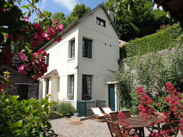 Le Huis Clos : maison de ville avec jardin clos