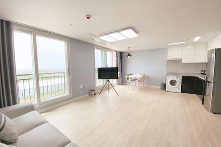 little prince hotel(501호) 군산 새만금의 콘도형 호텔 (31평형)
