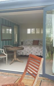 Package Deal - 5 Rooms at The Roost Executive B&B - Waiuku - Гестхаус