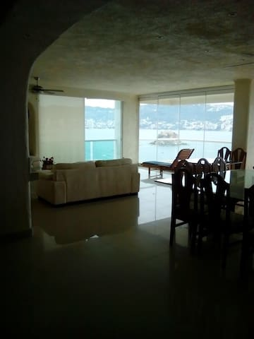 Penthouse 3 recs, a orilla de playa - Acapulco - Apto. en complejo residencial