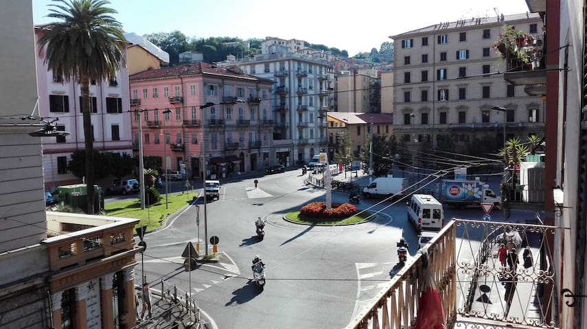 piazza saint bon-vista dall'appartamento