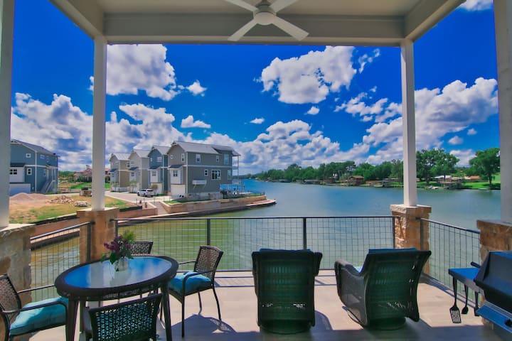 Skywalker - High-End Rental, Gated Resort Community at Clearwater Harbor / The Legends Golf Course
