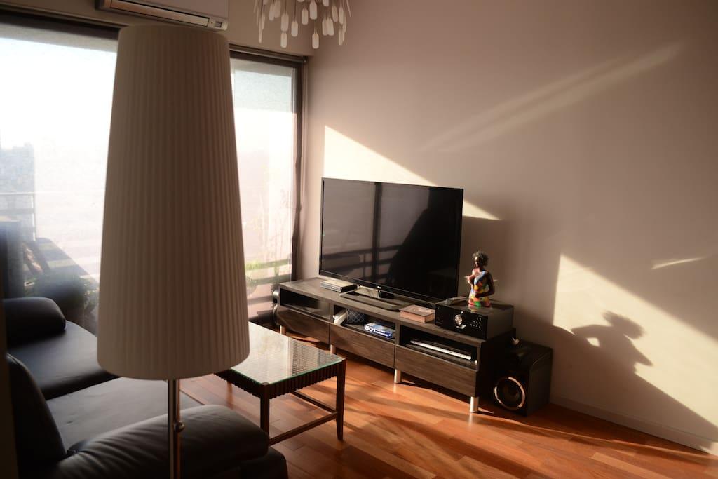 55' LG TV