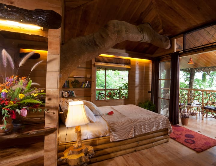 TRANQUILITREE TREE HOUSE