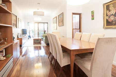 Belmont Terraces Shiraz Room! - Alexandria - House