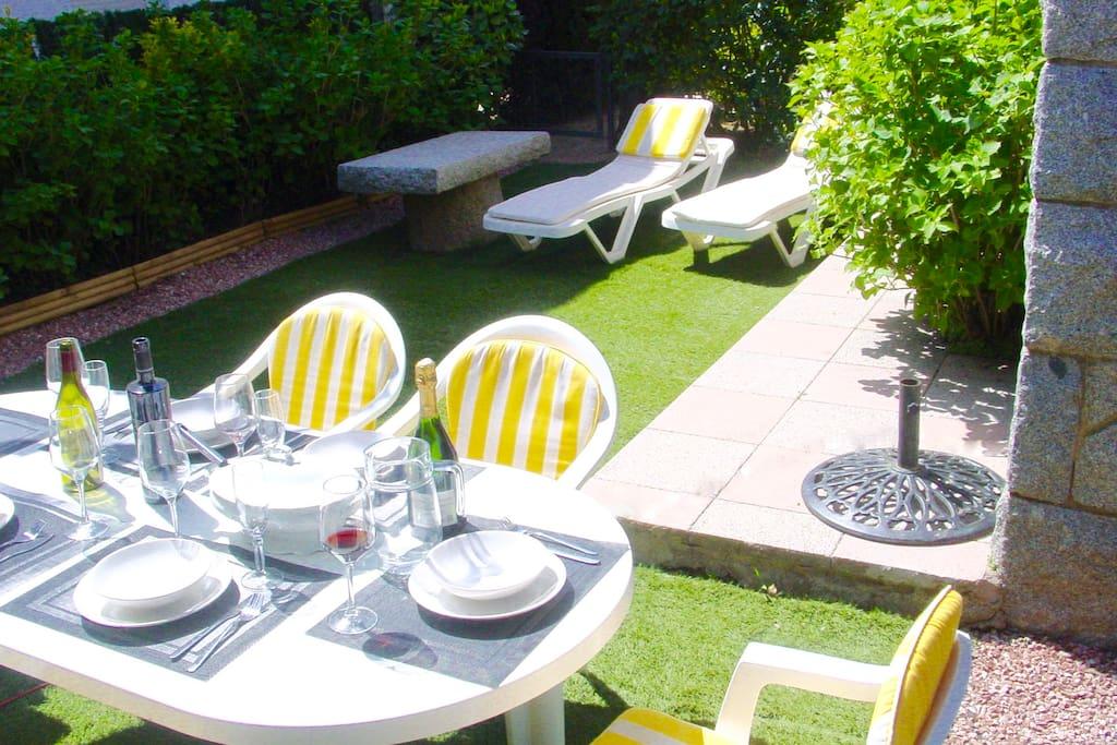 Mesa jardín privado