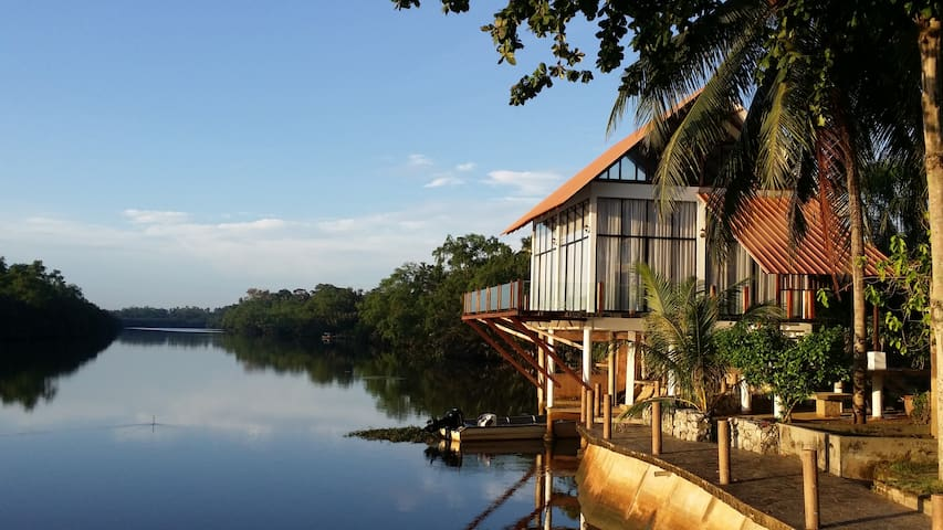 ALA Riverview Lodge Homestay