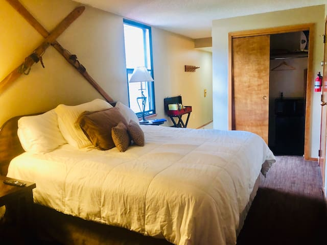 King Bed Unit in Center Village - Sleeps 2