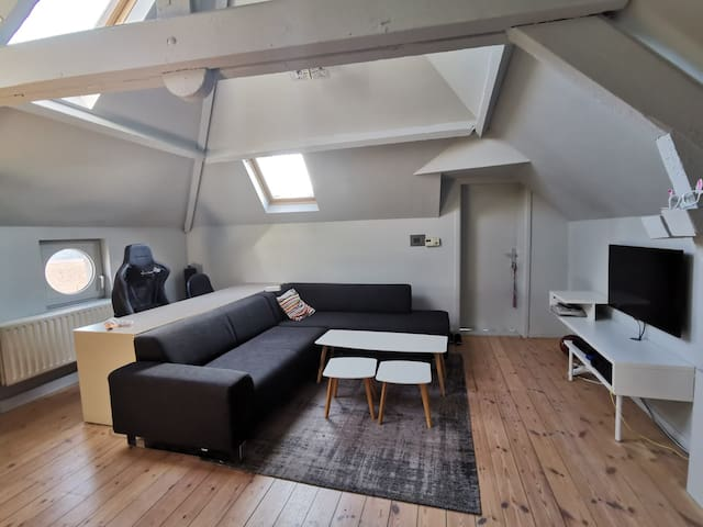 Spacious 70 sqm penthouse in the heart of Antwerp
