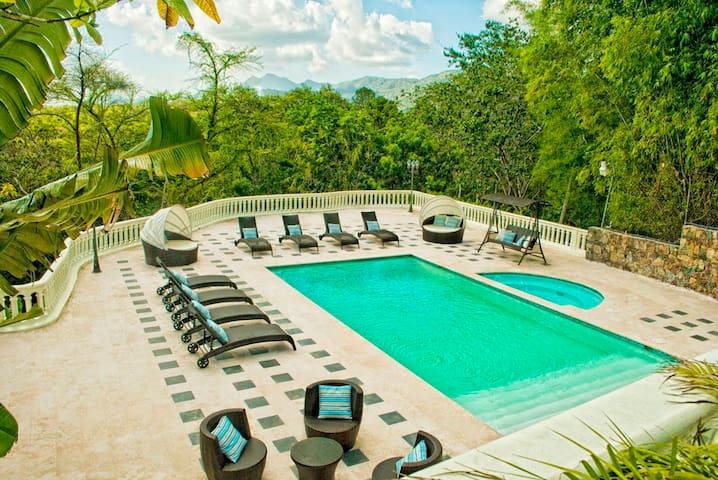 Luxury Rustic Villa W/Pool & Jacuzz - Santo Domingo - Villa