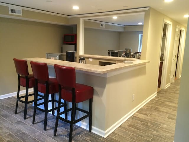 Great Location to enjoy Hokie Game! - Blacksburg - Apartment